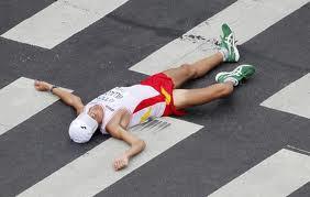 Pablo Villalobos tras cruzar la meta en el maratón del Campeonato del Mundo en Daegu (Corea del Sur) en 2011